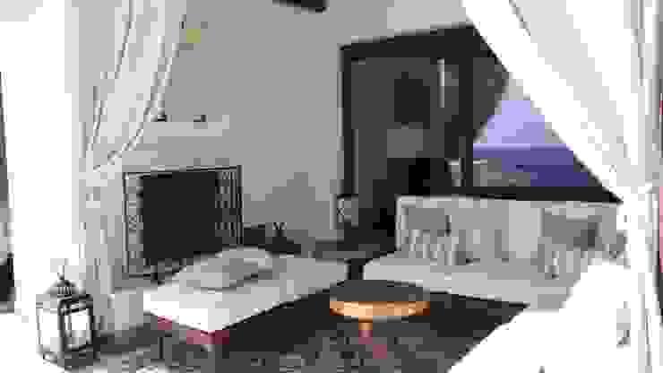 OUTDOOR LIVING LOS CABOS BY DIAZ DE LUNA DIAZ DE LUNA SIGNATURE Balcones y terrazas modernos