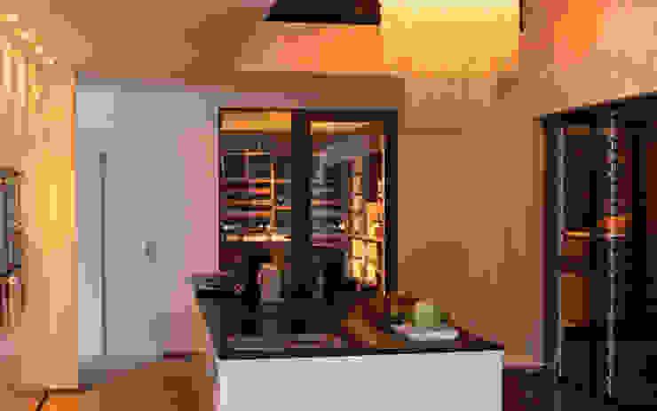 Cave à vin sur mesure en wengé - Luxembourg Cave à vin moderne par Degré 12 Moderne