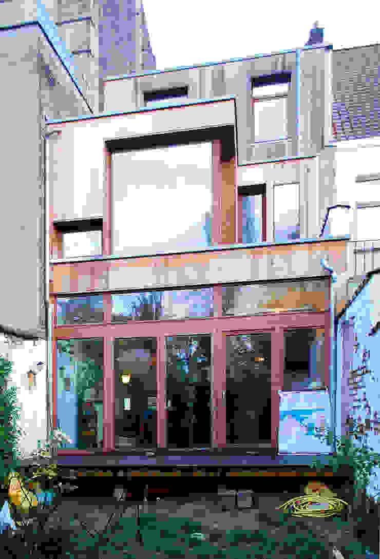 Extension en bois d'une maison à Uccle Maisons originales par KARBON' Éclectique