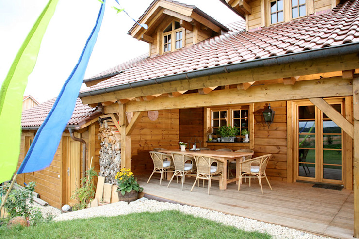 Terrasse de style  par BayernBlock - HultaHaus, Rural