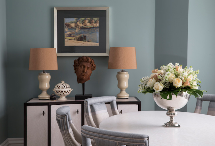 Dining Area:  Dining room by Roselind Wilson Design,