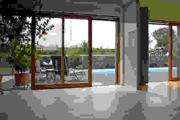 Einfamilienaus in Buch am Erlbach Herzog-Architektur Moderner Balkon, Veranda & Terrasse