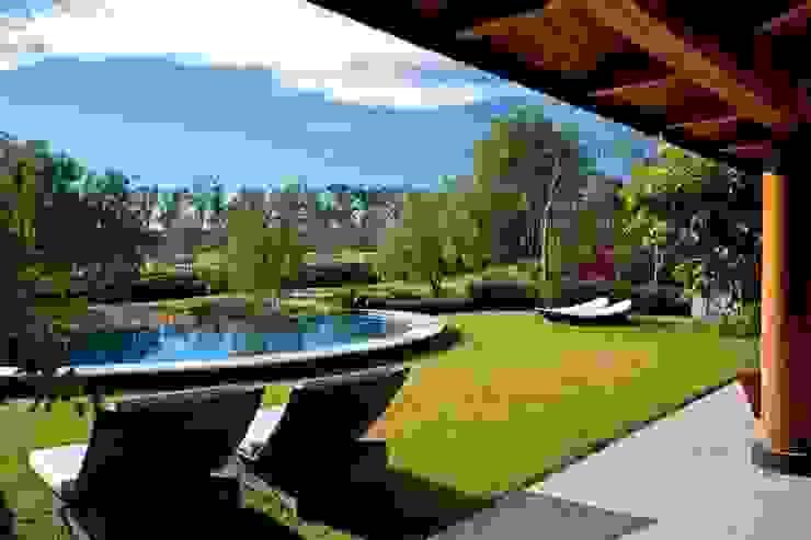 Modern Terrace by Taller Luis Esquinca Modern