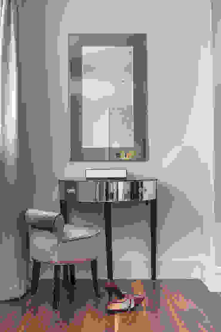 Master Bedroom Modern study/office by Roselind Wilson Design Modern