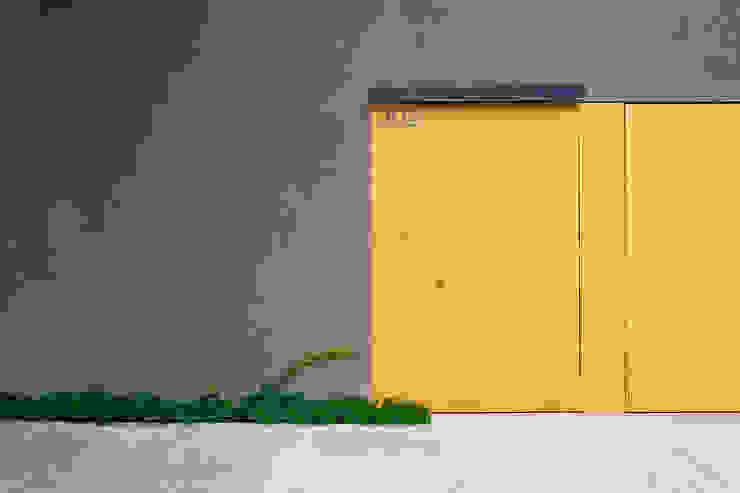 モダンな 窓&ドア の Pascali Semerdjian Arquitetos モダン