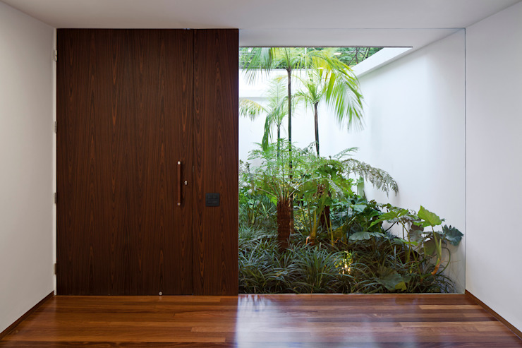 Modern windows & doors by Pascali Semerdjian Arquitetos Modern