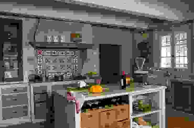 Cozinha  por ateliers poivre d'ane