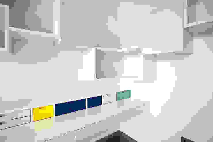 Bedroom Details Modern Bedroom by Roselind Wilson Design Modern
