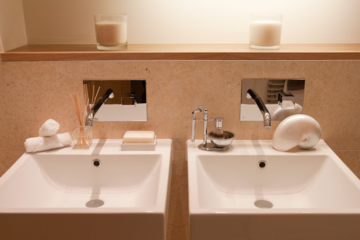 Bathroom by Roselind Wilson Design, Classic
