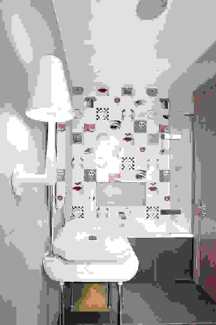 Bathroom Modern bathroom by Roselind Wilson Design Modern