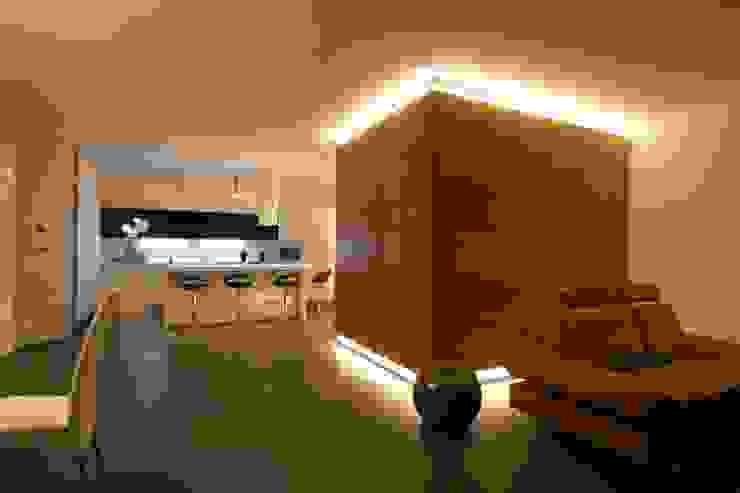 모던스타일 벽지 & 바닥 by Laboratorio di Progettazione Claudio Criscione Design 모던
