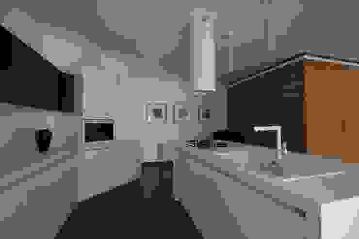 Casa L Cucina moderna di Laboratorio di Progettazione Claudio Criscione Design Moderno