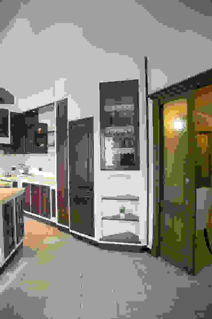 Kitchen by ZAHARA architecture biolab