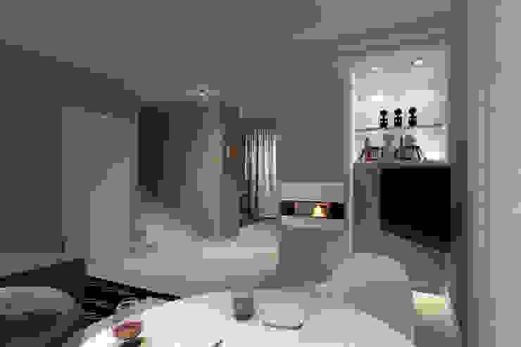 Design di interni. Case moderne di Albini Architettura Moderno