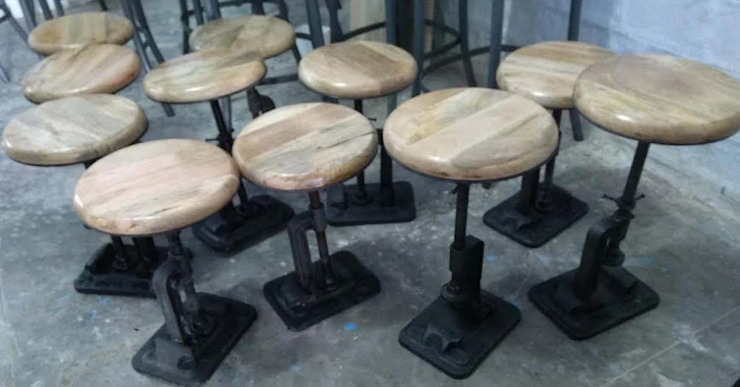 Industrial Railway Sleeper Base Stool: industrial  by Vinayak Art Inc.,Industrial