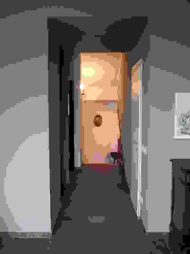 Villa Meina Ingresso, Corridoio & Scale in stile moderno di Matteo Verdoia Architetto Moderno