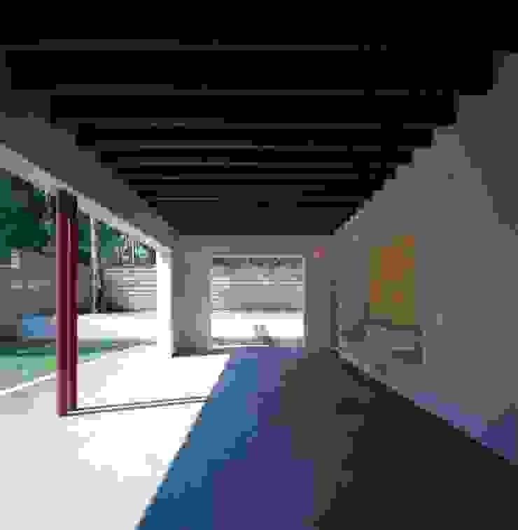 Taller Luis Esquinca Balcon, Veranda & Terrasse modernes
