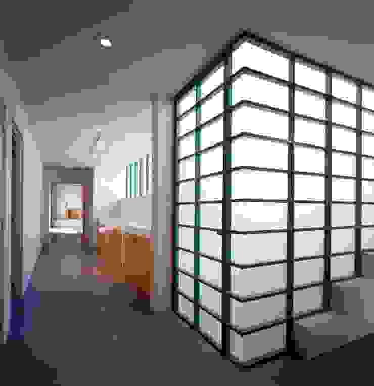 Taller Luis Esquinca Couloir, entrée, escaliers modernes