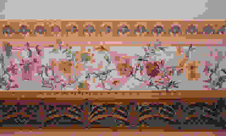 salon Klasyczne ściany i podłogi od szaro-biało Klasyczny