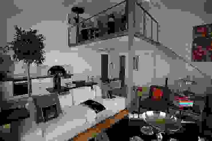 SS HOUSE Moderne Wohnzimmer von Esra Kazmirci Mimarlik Modern