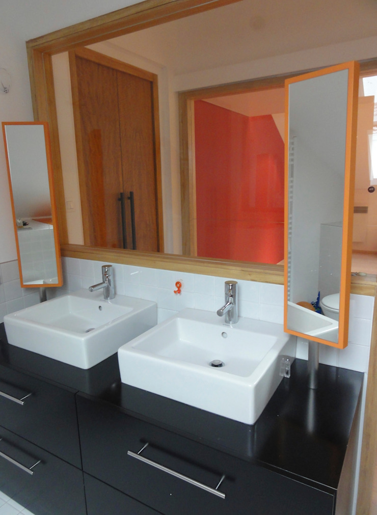 Loft sous combles Maisons minimalistes par Agence d'architecture intérieure Laurence Faure Minimaliste