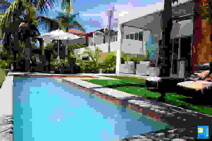 Pool by Excelencia en Diseño, Modern
