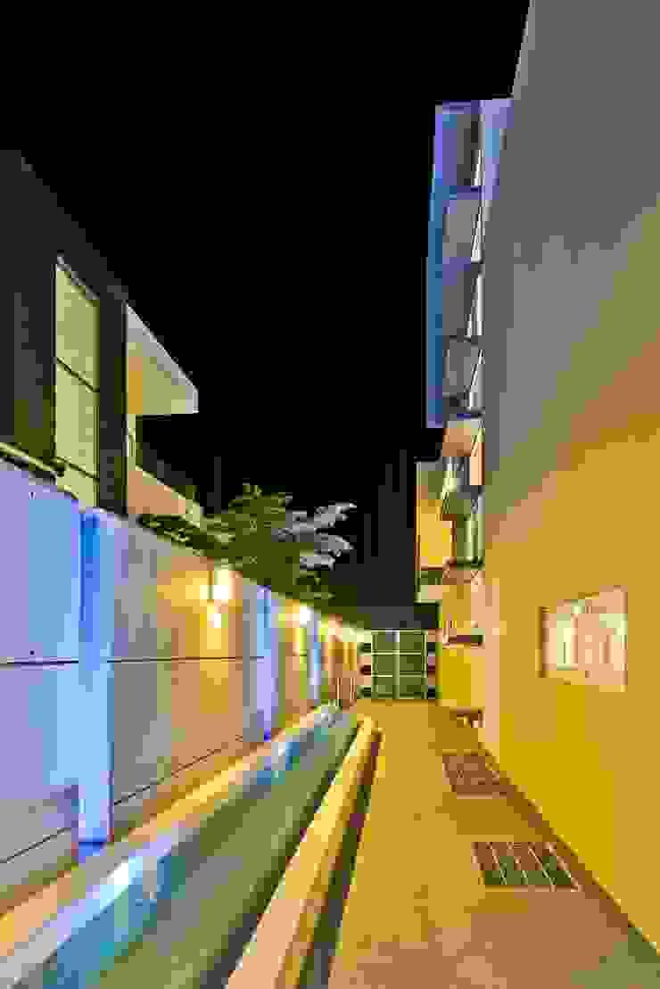 pasillos Casas minimalistas de Excelencia en Diseño Minimalista