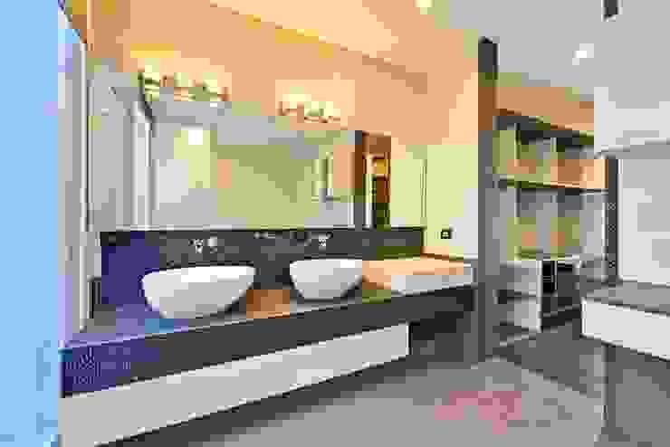 Banheiros minimalistas por Excelencia en Diseño Minimalista