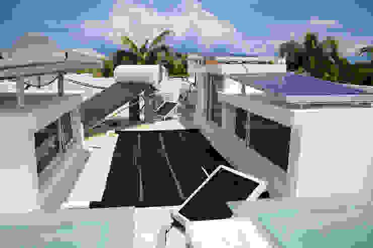 mas paneles  de aires acondicionados.: Casas de estilo  por Excelencia en Diseño, Moderno