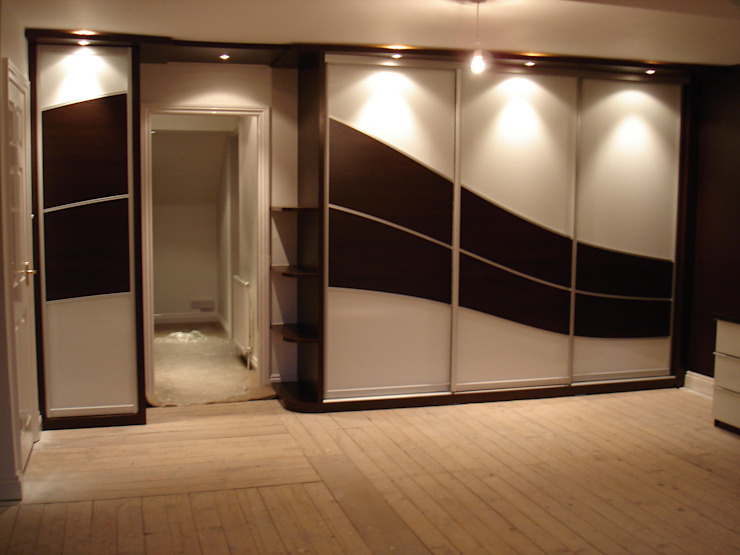 Chocolate wave sliding wardrobe doors Sliding Wardrobes World Ltd RecámarasArmarios y cómodas