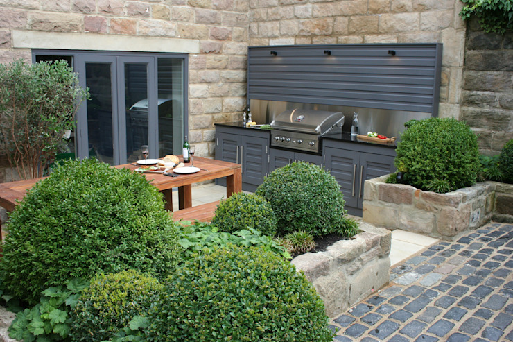 Urban Courtyard for Entertaining Jardines modernos: Ideas, imágenes y decoración de Bestall & Co Landscape Design Ltd Moderno