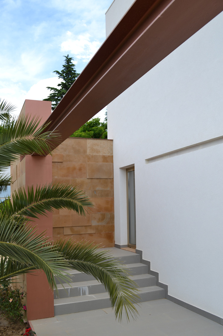 Modern Houses by G. Giusto - A. Maggini - D. Pagnano Modern