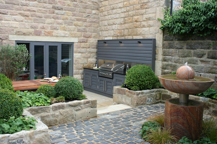 Urban Courtyard for Entertaining Bestall & Co Landscape Design Ltd Moderner Garten