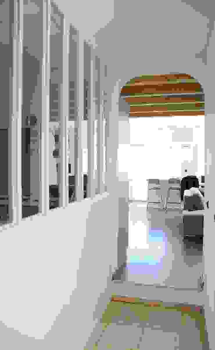 Le 16 - Salle de bain et verrière 1er étage Maisons modernes par Aurélie Ronfaut dite Thi-Lùu Moderne