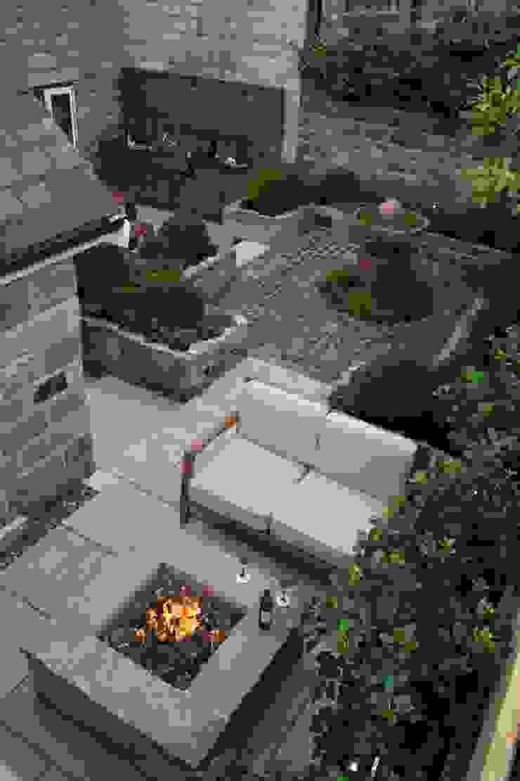 Urban Courtyard for Entertaining Bestall & Co Landscape Design Ltd Modern style gardens