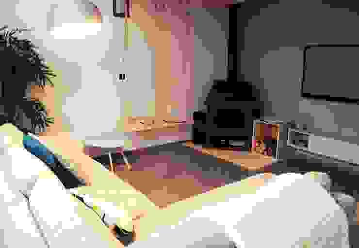 Le 16 - Espace de vie 1er étage - salon Maisons modernes par Aurélie Ronfaut dite Thi-Lùu Moderne
