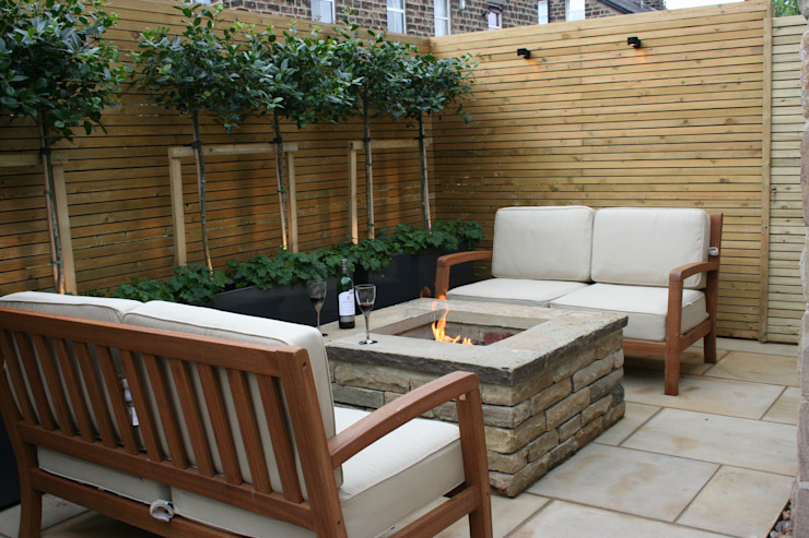 Urban Courtyard for Entertaining 根據 Bestall & Co Landscape Design Ltd 現代風