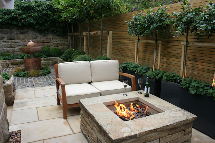 Urban Courtyard for Entertaining Jardins modernos por Bestall & Co Landscape Design Ltd Moderno