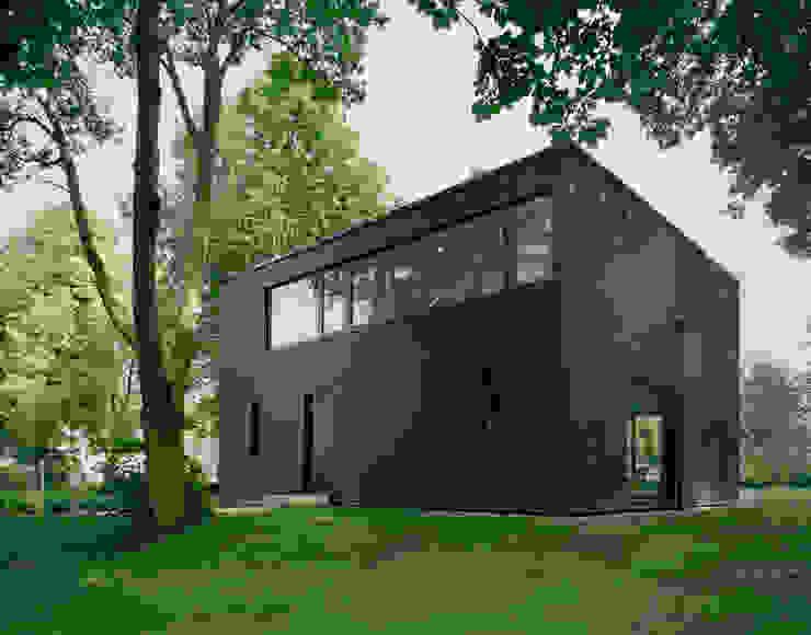 IOX Architekten GmbH Minimalist houses