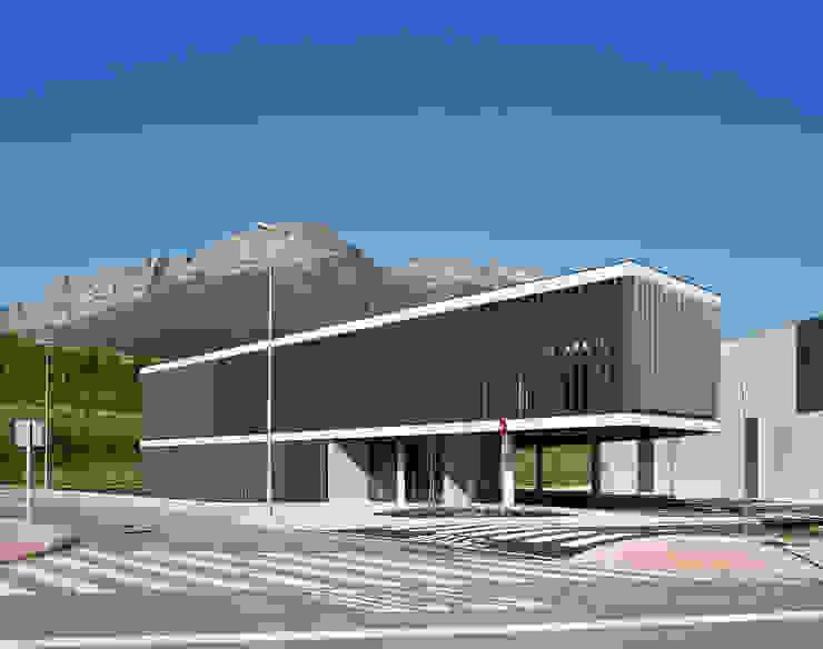Edificio oficinas vista general de G&C ARQUITECTOS