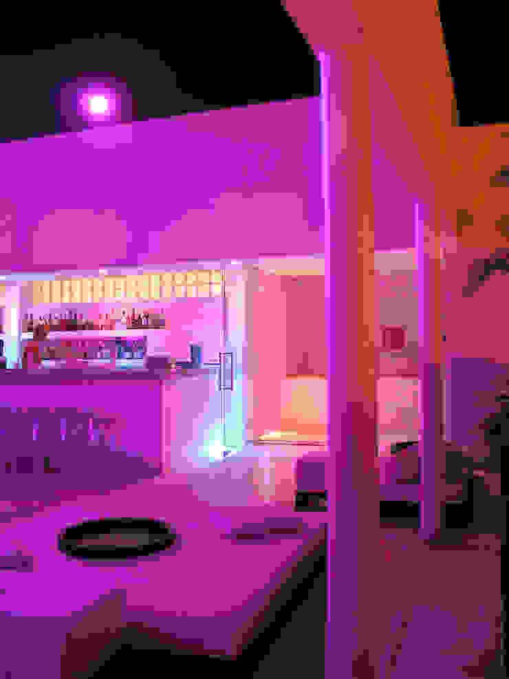 Roof Bar de Taller Luis Esquinca Minimalista