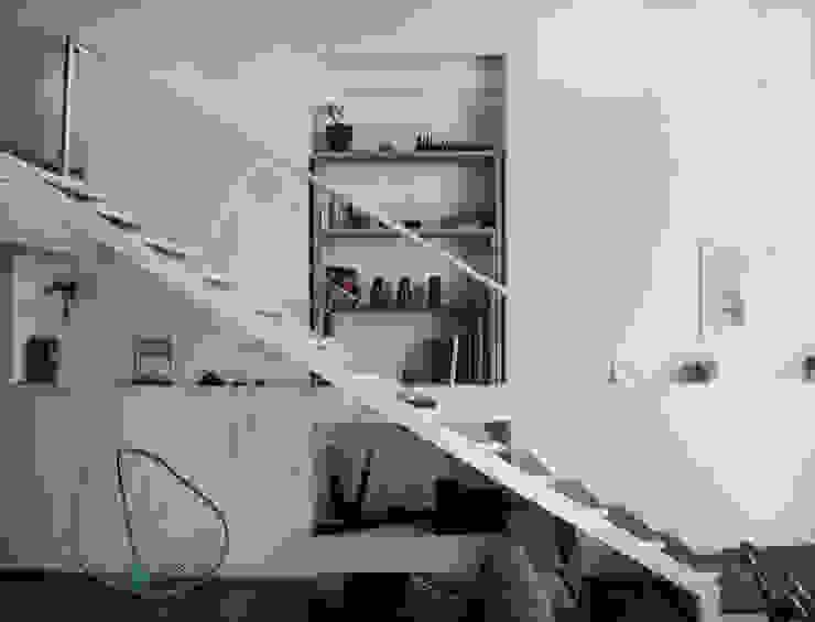 modern  door MDC MUEBLES DE CONCRETO, Modern