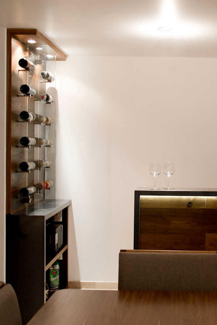 REM Arquitectos Dining roomWine racks