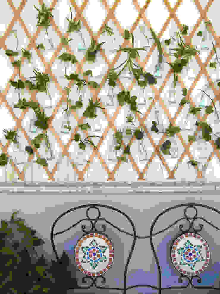 Balcony, veranda & terrace by Blogger Groovy Elisa