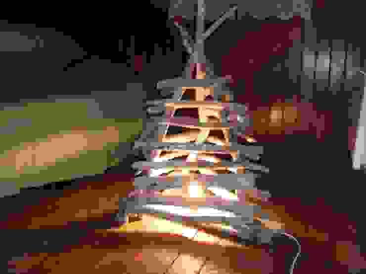 lampe pyramide par Bois flotté de Gibus Éclectique