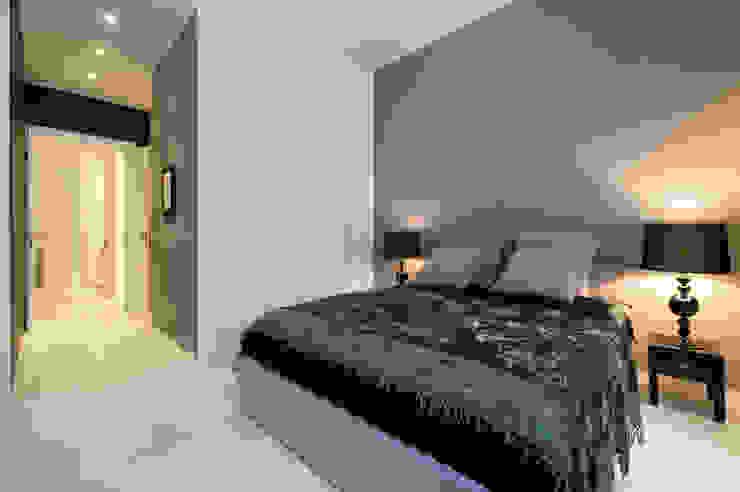 Appartamento via Goldoni Camera da letto di Studio 02 Milano