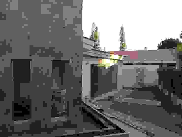 Salas de estilo moderno de Arki3d Moderno