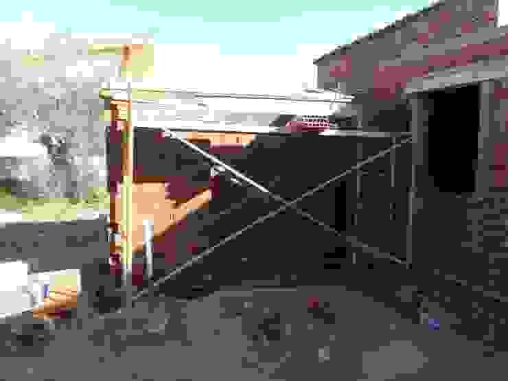 Projekty,  Domy zaprojektowane przez TU REFORMA EN MADRID, Rustykalny