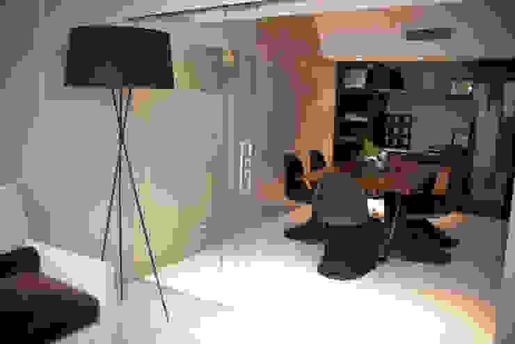 Mesa Trapecio de Muebles muc. Moderno