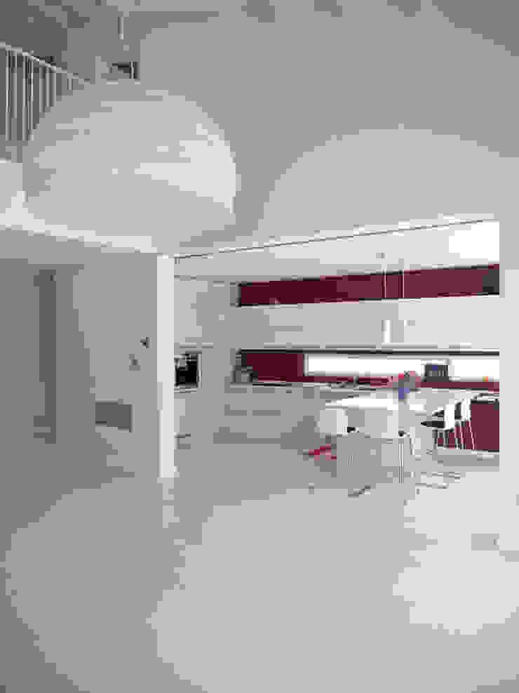 Cocinas modernas de VALERI.ZOIA Architetti Associati Moderno